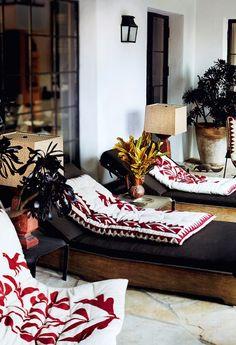 Mario Testino's LA home. His photo in Vogue.