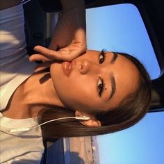Newest Totally Free Natural Makeup aesthetic Ideas Discovering the right facial foundation to use if you find yourself going for a pure appear is ofte Skin Makeup, Beauty Makeup, Hair Beauty, Glossy Makeup, Instagram Pose, Instagram Models, Insta Models, Instagram Girls, Aesthetic Makeup