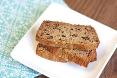 I LOVE the smell of banana bread baking in the oven! Don't you? It's so intoxicating. The aroma fills the whole house and it's just plain torture waiting for it to finish baking. It's so worth the wai
