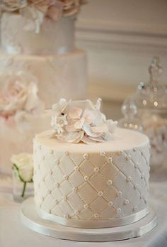 34-pretty-one-tier-wedding-cakes-to-get-inspired-14
