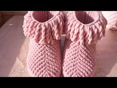 Booties Crochet, Crochet Stitches, Slippers, Socks, Booty, Youtube, Accessories, Quilts, Fashion