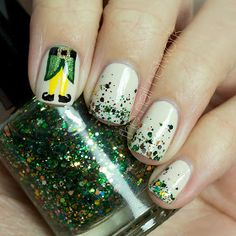 the nail network tdocnas day one 365 days of color elf tastic - Pinterest Christmas Nails