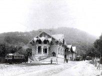 Ilyen is volt Budapest - 1910 körül, Zugligeti út 64 Old Train Station, Broken Images, Budapest Hungary, Abandoned Buildings, Vintage Photographs, Far Away, Old Houses, Steampunk, Marvel