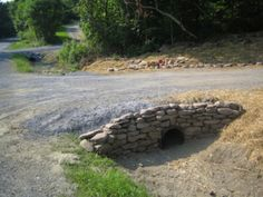 Idea, tricks, and also quick guide in the interest of getting the greatest end r… - Hof Ideen Driveway Culvert, Concrete Driveways, Walkways, Landscaping On A Hill, Driveway Landscaping, Landscaping Ideas, Driveway Ideas, Landscaping Software, Inexpensive Landscaping