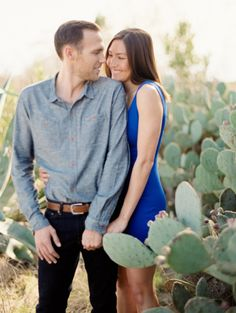 Southwestern e-sesh: http://www.stylemepretty.com/little-black-book-blog/2015/03/20/austin-engagement-session-at-le-san-michele/ | Photography: Andy Barnhart - http://www.andybarnhart.com/