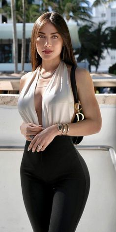 Sexy Outfits, Sexy Dresses, Fashion Outfits, Women's Fashion, Looks Pinterest, Glamour, Mädchen In Bikinis, Brunette Beauty, Sexy Hot Girls