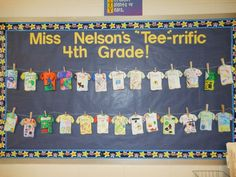 """""""Tee""""-rrific bulletin board for the beginning of the school year. Students decorate a paper t-shirt to represent themselves and share with the class. My graders LOVED this! First Week Of School Ideas, First Day Of School Activities, Beginning Of The School Year, New School Year, 4th Grade Classroom, Classroom Activities, Brainstorming Activities, Classroom Organization, Classroom Decor"""