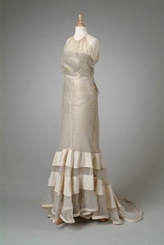 White silk organdy party dress, Henri Bendel Inc., 1934. Meadow Brook Hall Historic Costume Collection