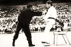 Bruce Lee First one inch punch demonstration in 1967