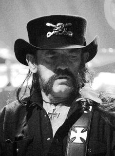 Lemmy -2015 LOOKING RUFF