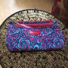 Lilly Pulizer Cosmetic Bag, never used! ❤️ 12'x 7', 100% cotton fabric.  With extra plastic sleeve for your wet items  No trading or ppl please Lilly Pulitzer Bags Cosmetic Bags & Cases