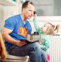 24 awesome dads winning at fatherhood daddy daughter photos, father daughte Funny Pictures For Kids, Funny Videos For Kids, Funny Kids, Funny Photos, Kids Videos, Videos Funny, Parenting Fail, Parenting Humor, Cadeau Photo Original