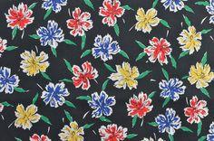 Vintage Cotton Fabric Cotton Floral Fabric Black by #TheFabricScore #vintagefabric www.thefabricscore.com