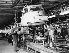 The Oldie But Goodie - BMW Isetta assembly line by Auto Clasico on. Bmw Isetta, Vintage Photos, Vintage Cars, Retro Cars, Bmw Museum, Museum Shop, Strange Cars, Microcar, Miniature Cars