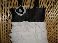 Black 'n white ruffled bag tutorial