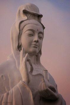 Kuan Yin - Kwan-yin: (Buddhism) a female Bodhisattva; often called goddess of mercy and considered an aspect of the Bodhisattva Avalokitesvara; Lotus Buddha, Art Buddha, Ascended Masters, Spiritus, Sacred Feminine, Sand Art, Guanyin, Gods And Goddesses, Belle Photo