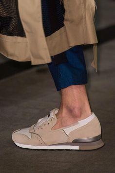 Maison Mihara Yasuhiro Spring 2018 Men's Fashion Show Details - The Impression Men Fashion Show, Fashion Shoes, Mens Fashion, Fashion 2018, London Fashion, Fashion News, Fall Fashion, Fashion Trends, New Shoes