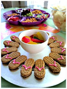 Pick Up Best Toddler Birthday Party Idea : Snack Ideas For Toddler Birthday Party. Snack ideas for toddler birthday party. party for boys,party for girls Luau Party Snacks, Luau Food, Birthday Party Snacks, Luau Birthday, Food Food, Birthday Ideas, Memorial Day Foods, Hummingbird Food, Toddler Snacks