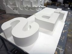 Letras Corporeas en Poliespan de alta densidad D30. Taller: www.poliespan.com