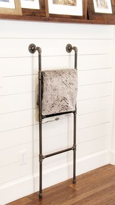 47 Beautiful Diy Industrial Wall Decoration Ideas That You Must Try Industrial Interior Design, Vintage Industrial Decor, Industrial House, Industrial Interiors, Industrial Nursery, Industrial Pipe, Industrial Farmhouse, Diy Blanket Ladder, Blanket Storage