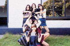 Your number one Asian Entertainment community forum! Kpop Girl Groups, Korean Girl Groups, Kpop Girls, Oppa Gangnam Style, Sinb Gfriend, G Friend, K Idol, Friend Pictures, Mamamoo