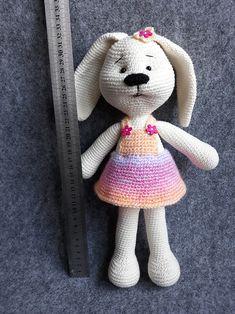 jak zrobić zajączka na szydełku Projects To Try, Bunny, Teddy Bear, Knitting, Toys, Animals, Crochet Dolls, Rabbit, Animales