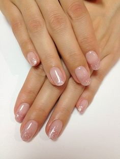 99 Captivating Neutral Nail Art Designs Ideas To Copy In 2019 Nails Art 99 faszinierende neutrale Na Glitter Fade Nails, Faded Nails, Sparkle Nails, Pink Glitter, Nails With Glitter Tips, Glitter Manicure, Nail Manicure, Classy Nails, Trendy Nails
