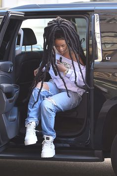 Uploaded by Roula Makrigianni. Find images and videos about rihanna on We Heart It - the app to get lost in what you love. Rihanna Riri, Rihanna Style, Rihanna Dreadlocks, Black Girl Magic, Black Girls, Black Women, Fashion Killa, Look Fashion, Fashion Outfits