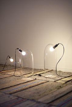 Mari Isopahkala travaille essentiellement le verre et la lumière.  Greenhouse, Mari Isopahkala  Séclairer, chez moob