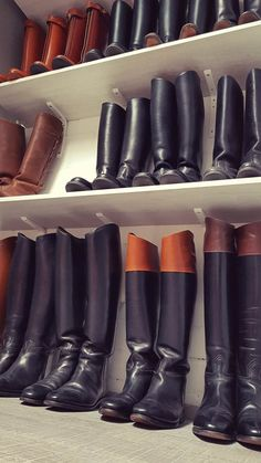 Tall Leather Boots, Tall Boots, High Boots, Men's Equestrian, Equestrian Fashion, Mens Boots Fashion, Mens Attire, Long Boots, Hunter Boots