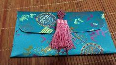 아름다운 양단 선물봉투 재사용이 가능하니 더없이 좋다며~~ 직접 만든 국화매듭을 딱!!! ^^ 맘에 들어~~
