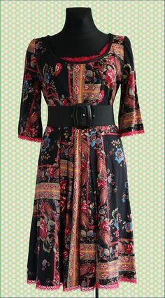 Sukienka folkowa