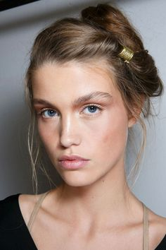 The Best Makeup Trends for Spring 2016 - Backstage Beauty Spring 2016 Beauty Make-up, Bridal Beauty, Beauty Hacks, Hair Beauty, Bridal Hair, Makeup Trends, Hair Trends, Make Up Looks, Pelo Editorial
