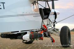 Enduro bike and bush plane. MJ this is a great idea! Stol Aircraft, Kit Planes, Bush Pilot, Light Sport Aircraft, Plane And Pilot, Bush Plane, Stunt Bike, Enduro, Motorcycle Travel