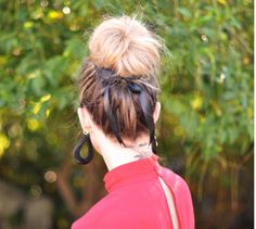 Holiday Hairstyles : Soft High Bun with Pretty Ribbon