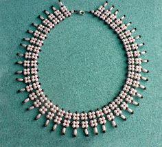 Free pattern for beaded necklace Greta.  U need:    pearl beads 3-4 mm    pearl beads 2 mm or seed beads 10/0  - See more at: http://beadsmagic.com/?p=3951#more-3951