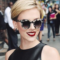 Scarlett Johansson Style – 'The Late Show with Stephen Colbert' – Septem. - Scarlett Johansson Style – 'The Late Show with Stephen Colbert' – September 2015 - Short Pixie, Short Hair Cuts, Short Hair Styles, Pixie Hairstyles, Pixie Haircut, Haircuts, Redhead Hairstyles, Scarlett Johansson Hairstyle, Great Hair