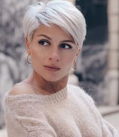 15 Coolest Short Hairstyle Inspiration #womenfashionideas #womenhairstyle #womenshortHaircut