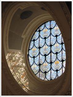 Beautiful Architecture, Architecture Details, Interior Architecture, Stained Glass Art, Stained Glass Windows, Windows And Doors, Round Windows, My Dream Home, Exterior Design