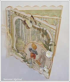 Endelig er den her, Pion Designs nye papirkolleksjon Mormors Skolbok . Denne kolleksjonen er som et vakkert eventyr, eller som en reise ti...