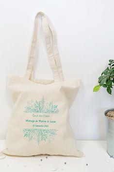 Tote bag à personnaliser pour annoncer la date de son mariage à ses proches. Save The Date Mariage, Flower Power, Reusable Tote Bags, Unique Weddings, Personalized Wedding, Quirky Wedding, Original Gifts