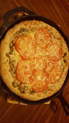 [I made] Chicken spinach alfredo feta and tomato pizza #Pizza