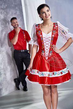 128 kalocsai mintás ujjas menyecske ruha és F67-es ing kalocsai hímzéssel Folk Dance, Folk Fashion, Traditional Dresses, Hungary, Culture, Costumes, Wedding Dresses, Bikinis, Clothes