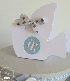Diy Box, Tutorial, Print And Cut, Origami, Place Cards, Place Card Holders, Craft, Carton Box, Key Fobs