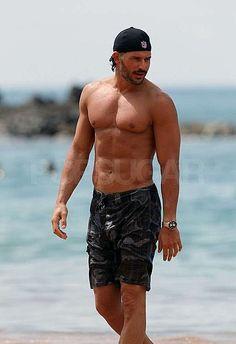 Joe Manganiello--shirtless in Hawaii--hotter than ever