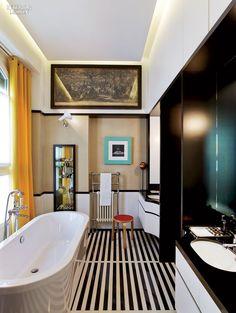 Simply Amazing: 25 Soothing Kitchens and Baths