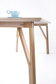 The DT1-Table for 8 by Alexander Smith | Gessato Blog
