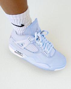 Moda Sneakers, Cute Sneakers, Best Sneakers, Sneakers Fashion, Retro Sneakers, Cute Nike Shoes, Nike Air Shoes, Jordan Shoes Girls, Girls Shoes