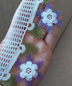 Bracelet Knots, Crochet Earrings, Flowers, Kebaya, Fabric Samples, Tejidos, Needlepoint, Manualidades, Royal Icing Flowers