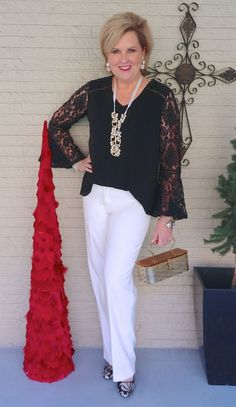 18 Ideas holiday fashion over 40 over 40 60 Fashion, Fashion For Women Over 40, Holiday Fashion, Party Fashion, Fashion Outfits, Holiday Style, Fashion Design, Fashion Trends, Style Fashion